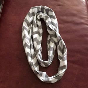Accessories - Gray / White infinity scarf